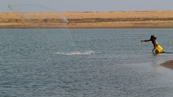 Озеро Чилка. Лов озерных креветок (c)inditrip.net