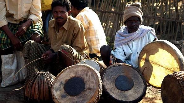 Wedding drums at Kunduli daily haat (c)inditrip.net
