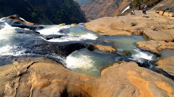 Ущелье водопадов Думдума в Онкадели. Индия, Орисса (с)inditrip.net