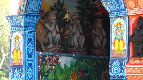 Пипли. Храм Ханумана (c)inditrip.net