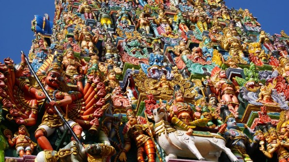 Гопурам храма Менакши в Мадураи. Тамил Наду. Индия (c)inditrip.net