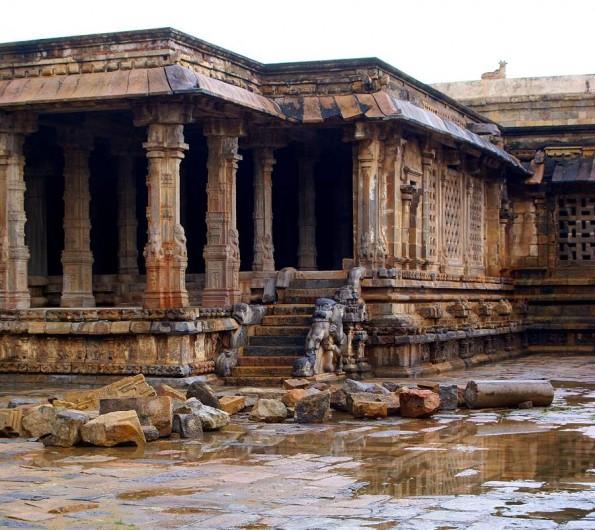 Дарсурам. Тамил Наду. Индия c)inditrip.net