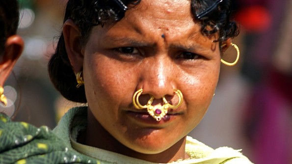 Индия, Орисса, округ Корапут, девушка из племени Донгария(с)inditrip.net