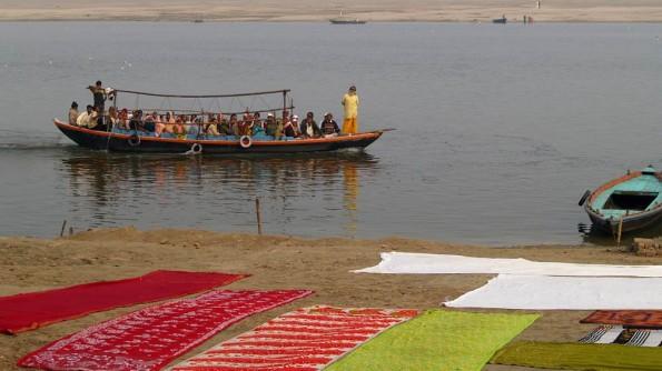 Varanasi. Morning on Ganga (c)inditrip.net