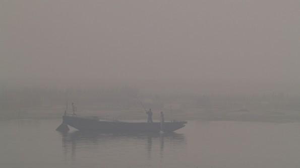Туман над Гангой. Варанаси (c)inditrip.net