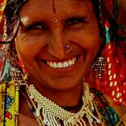 Village lady from Jaisalmer mrket (c) inditrip.net