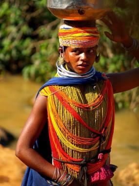 Девушка из племени бонда. Индия, Орисса (c)inditrip.net