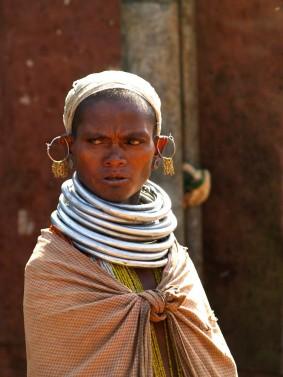 Женщина племени бонда. Индия, Орисса, Койрапут, округ Малкангири (c)inditrip.net
