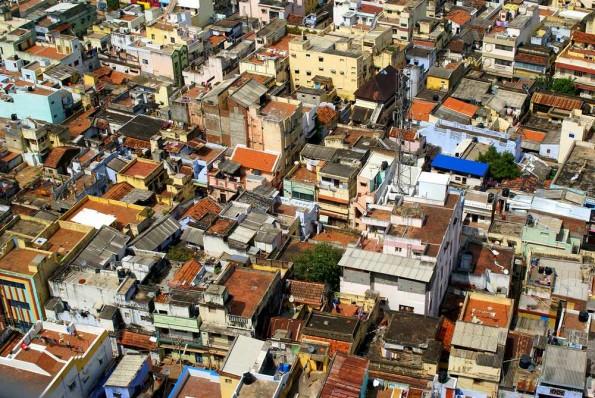 Крыши Тричи. Виз с вершины скалы Рокфорта. (c)inditrip.net