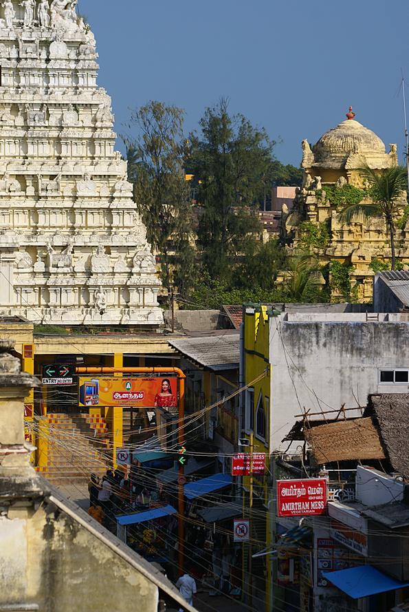 Ramanathaswami temple in Rameswaram.  (c) inditrip.net