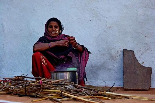 Chai masala in bhil's village | Масала чай в деревне бхилов (c) inditrip.net